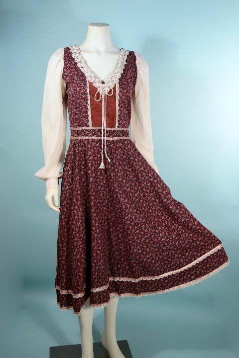 Vintage 70s Hippy Boho Puff Sleeve Floral Gunne Sax style dress
