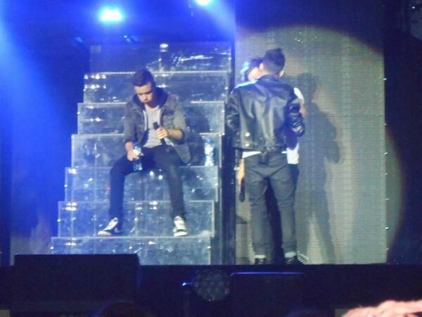Liam, Zayn and Louis  on stage tonight (3.5.13)