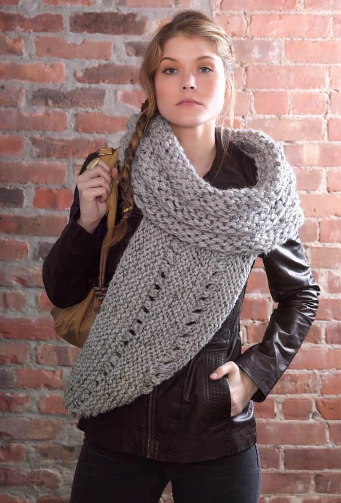 Katniss Crochet Cowl Free Pattern Plus Video Tutorial | Knit cowl ...