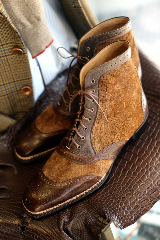 Welcome to Coccinella, Bespoke Salon in Osaka Japan SPIGOLA Bespoke Spectator Boots