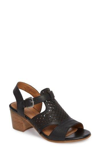 Comfortiva Women's Amber Perforated Block Heel Sandal oPTdldT6