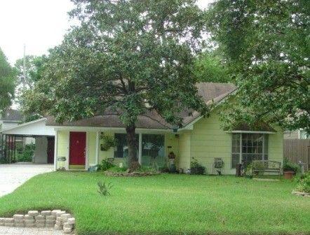 Patrick Swayze S Boyhood Home In Houston Celebrity Houses Celebrity Mansions Patrick Swayze