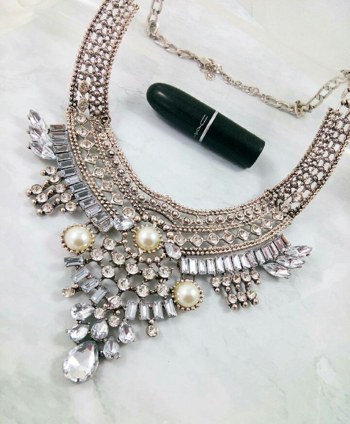 Collier Bony via ohbonheurdesfilles. Click on the image to see more!