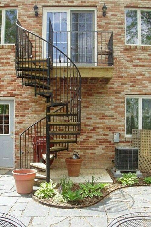 Pin de torito pinto en building details pinterest - Escaleras exteriores para casas ...