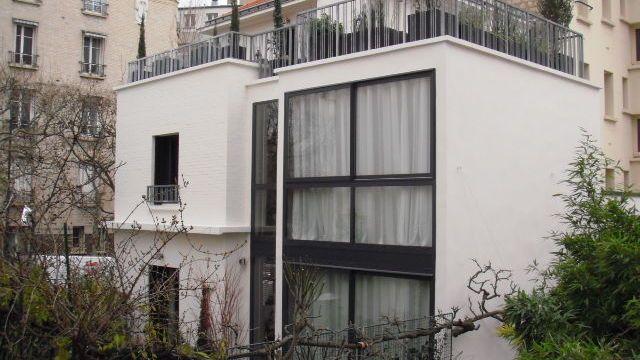 La façade extérieure avec baie vitrée wwwfinateu-architectefr