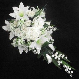 bouquet de mariage cascade simple avec des roses lys et muguet bridal bouquets wedding and. Black Bedroom Furniture Sets. Home Design Ideas