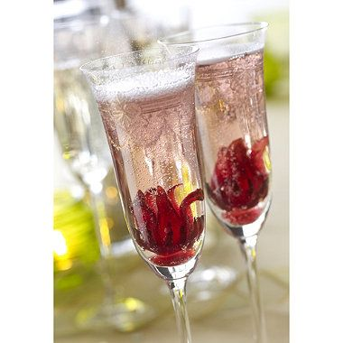 Champagne with a twist - add wild Hibiscus flowers #kitchentip #party