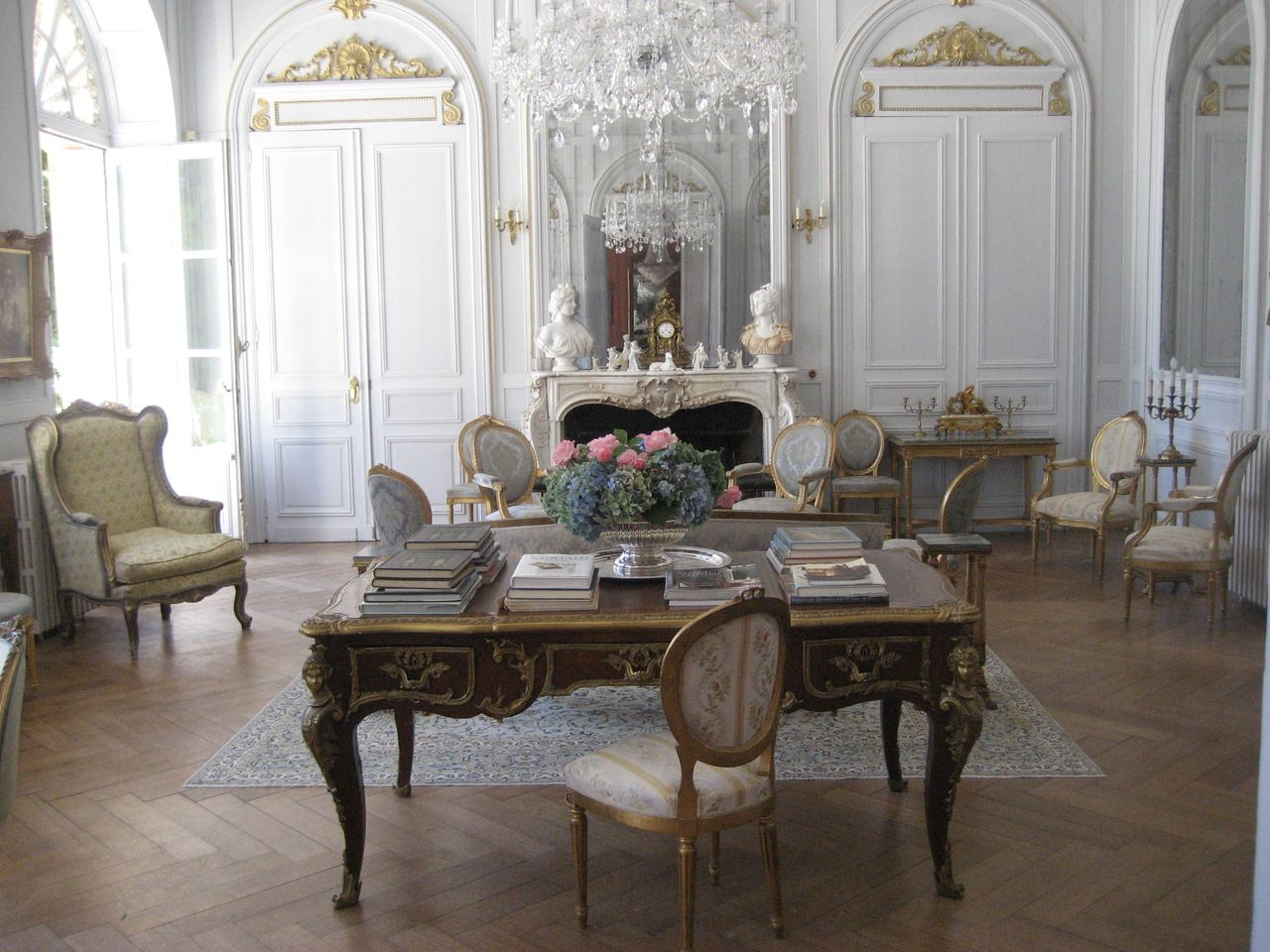 19th Century Chateau In The Dordogne Area Of France Interieur
