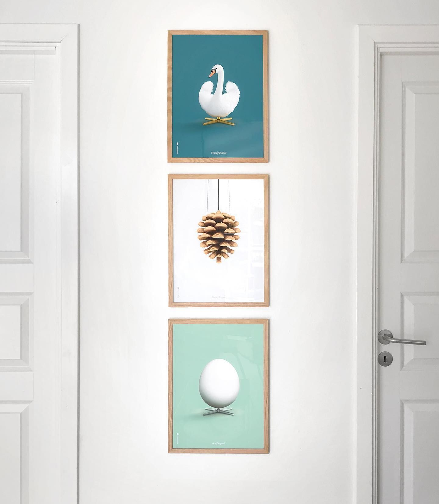 Aegget Koglen Og Svanen I 30x40 Cm Brainchildoriginal Danskemobelklassikere Tilbagetiloriginalen Danishmodern Danskemo In 2020 Home Decor Decor Furniture