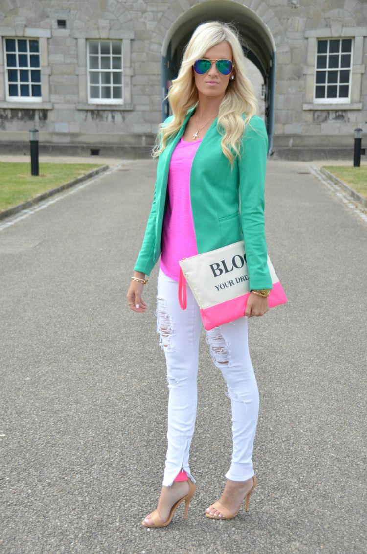 I Bought This Outfit It Looks Amazing On: Top- Loft Buy Here/ Blazer- H Cute Option Here, Here