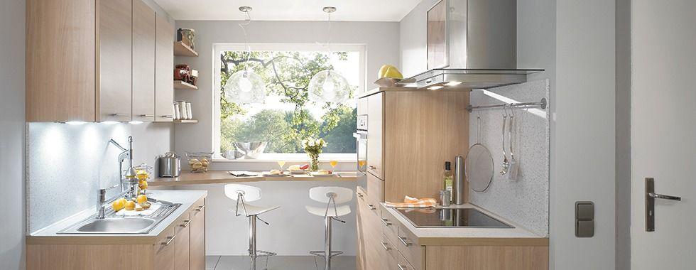 Petite cuisine ixina en bois cette cuisine mod le mango a t pens e pour offrir un maximum for Petit espace cuisine