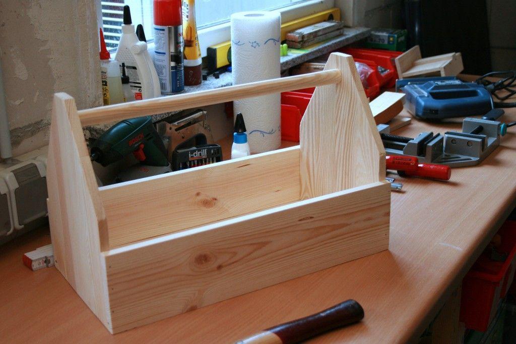eine werkzeugkiste bauen l ndchenlust projekte diy pinterest werkzeugkiste kiste und. Black Bedroom Furniture Sets. Home Design Ideas