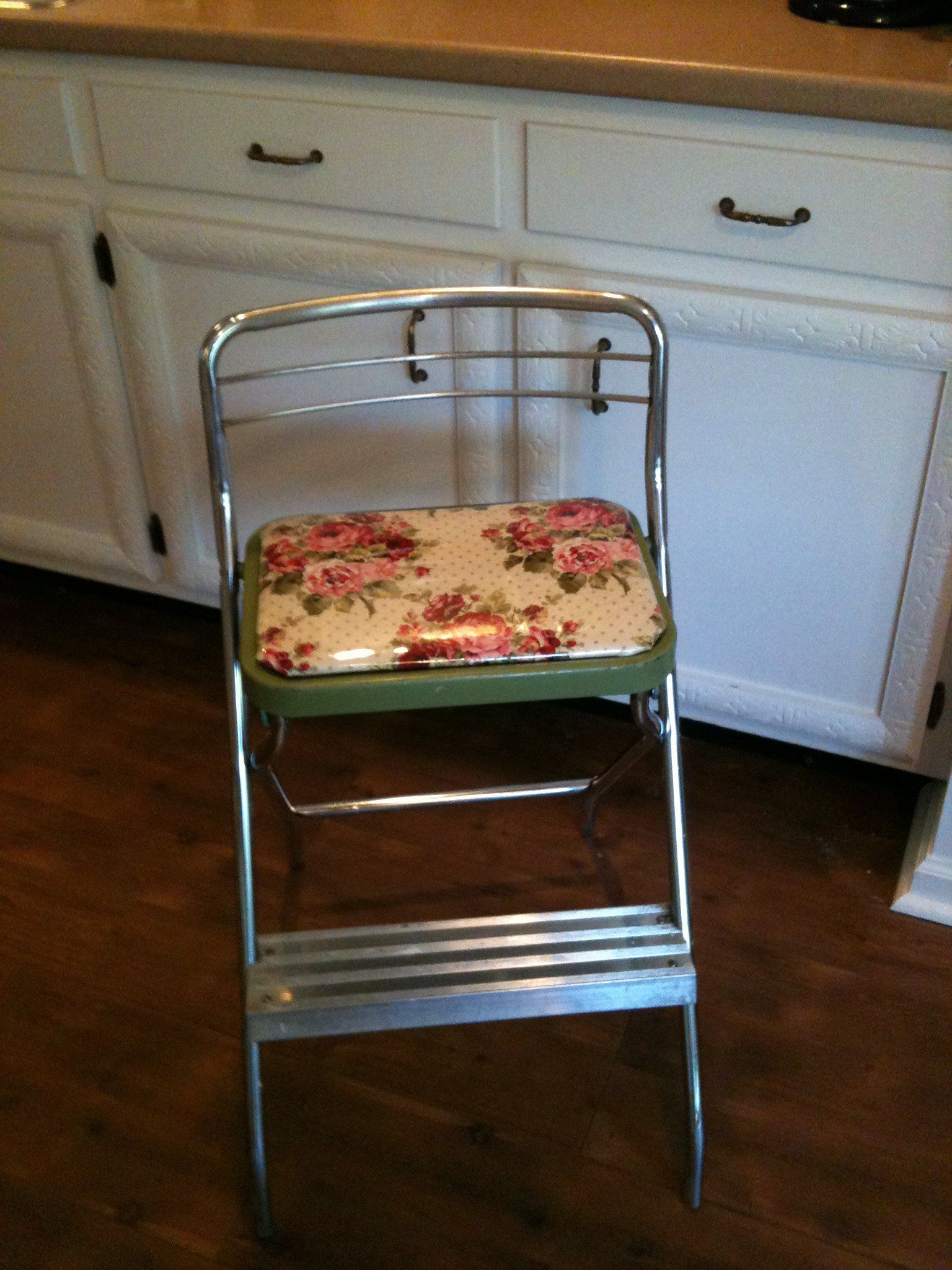 Brilliant Thrift Store Find Of A 60S Step Stool Recovered In A Floral Gmtry Best Dining Table And Chair Ideas Images Gmtryco