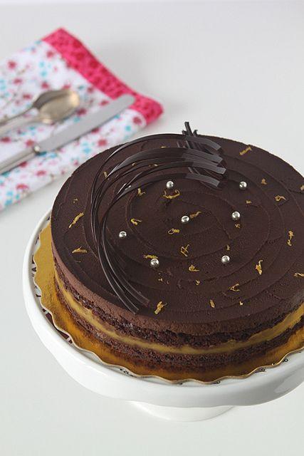 Pastís de xocolata i crema d'aranges by cuinaperllaminers, via Flickr