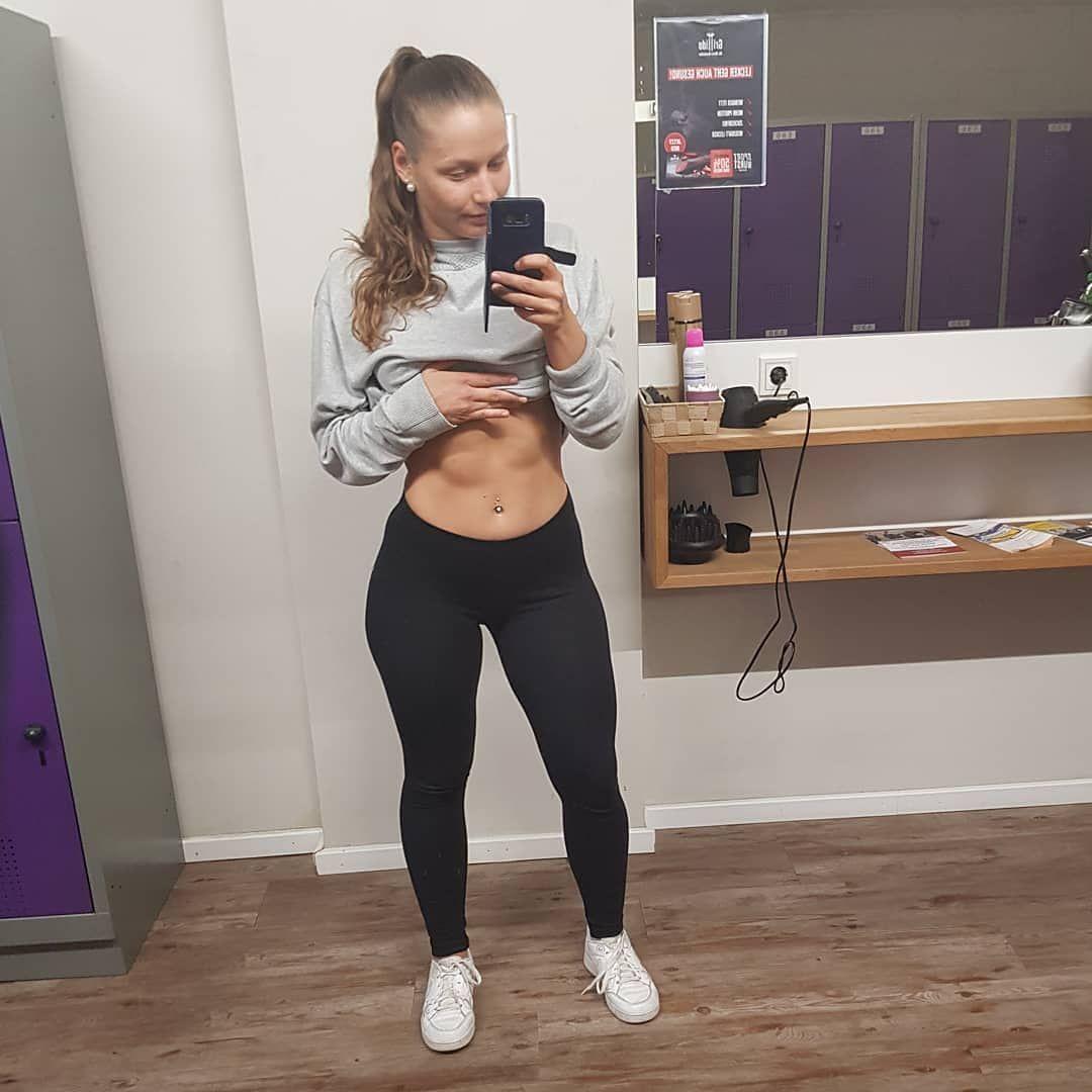 Jilkamml Girlswholift Fitness Musclegirl Abs Flexing Muscle Girl Biceps Shoutout Girlpower Training Fitnesslife Fit Life Gym Life Gym Time