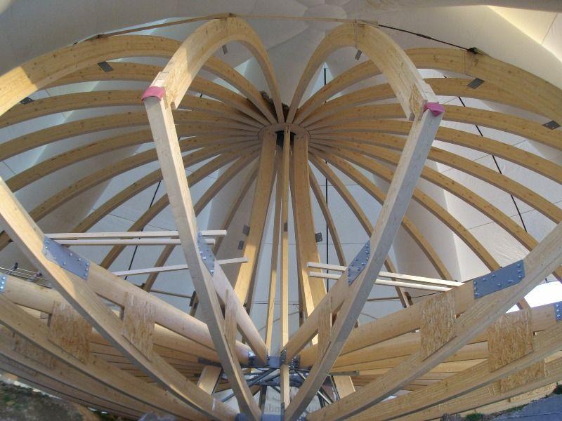 construction de notre domespace harmonique maison en bois ronde chapidome architecture. Black Bedroom Furniture Sets. Home Design Ideas