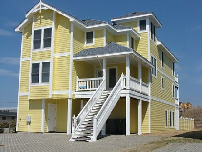 Oceanfront 8 Br Pool Hot Tub Elevator Dogs Ok Hcap Friendly Sleeps 18 Nags Head Outer Banks Vacation Rentals Outer Banks Rentals Oceanfront Living