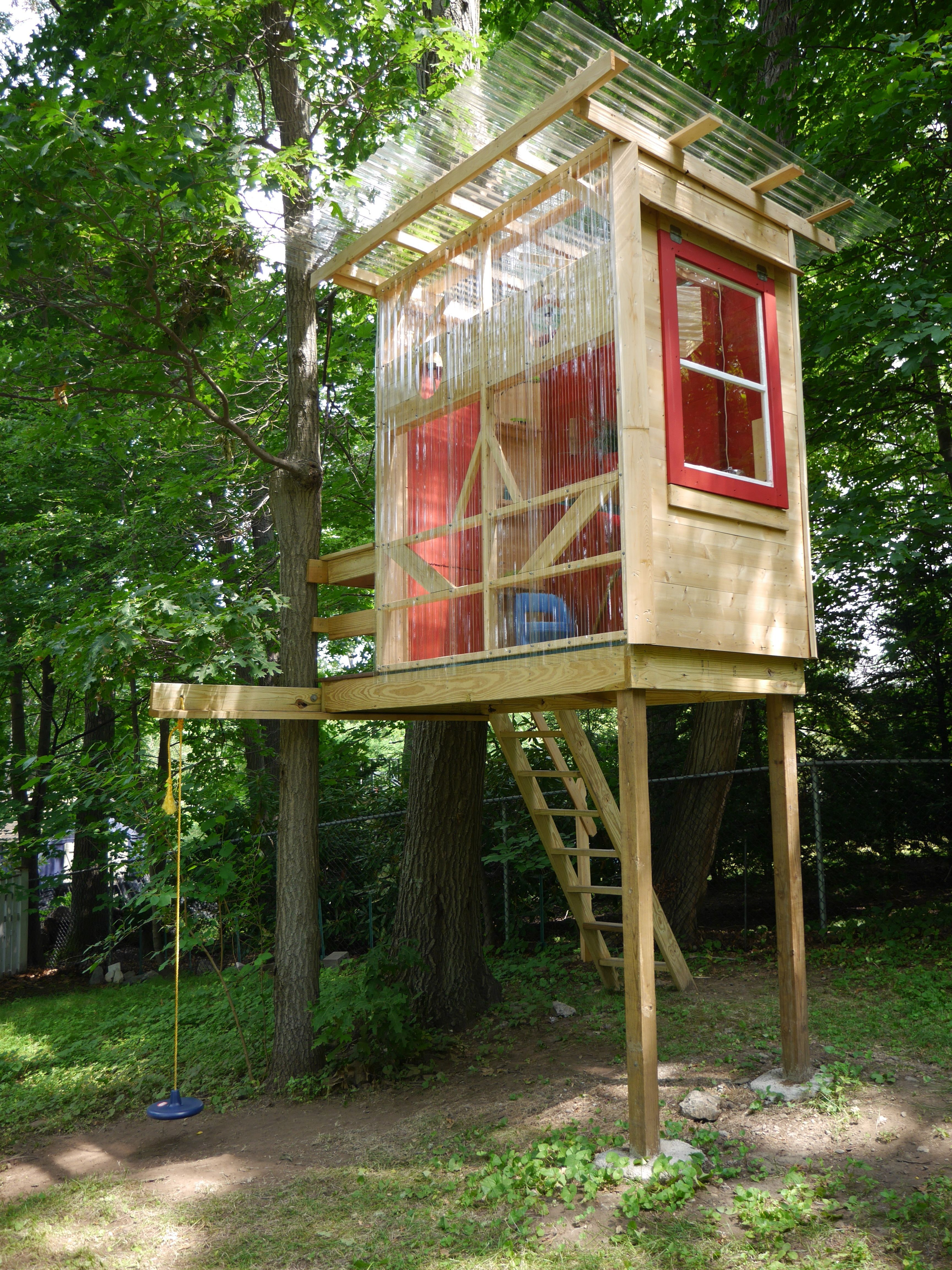 www relaxshacks com a daylight shot of the robot faced tree house