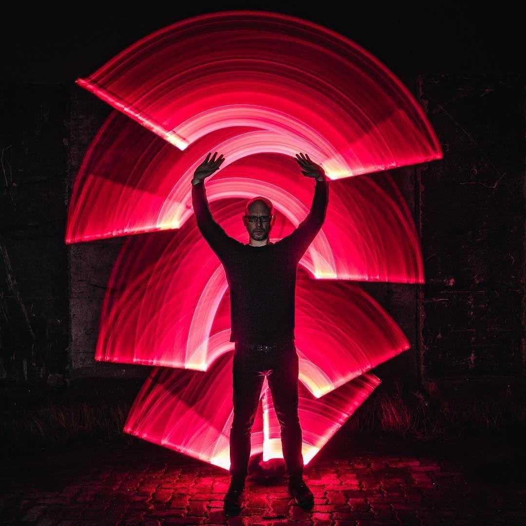 Qigong Bevor Man Rot Sieht Einfach Mal Die Energien In Richtige Bahnen Lenken Mehr Infos Dazu Findet Ihr Bei Szyzik Light Painting Neon Signs Painting