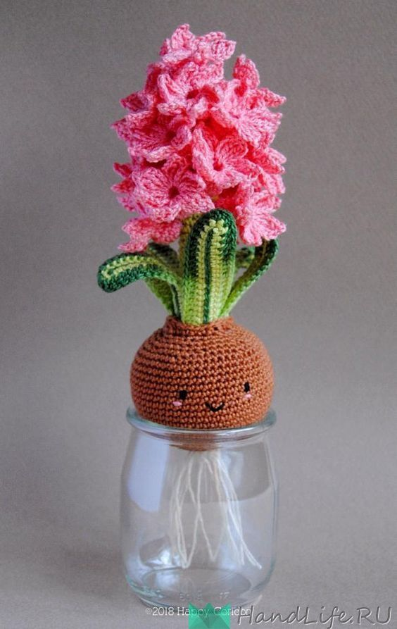 Вязаные цветы в горшочках (видео) / Рукодельные идеи #вязаныеигрушки