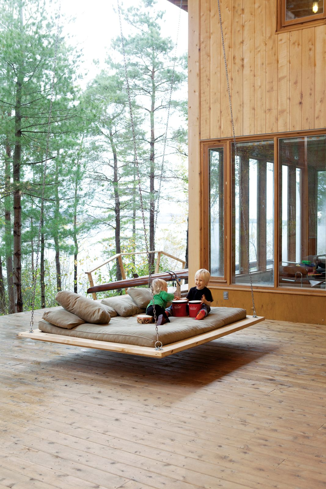 Hanging bed outdoor - Cozy Sleeping Porches For A Perfectly Relaxing Summer