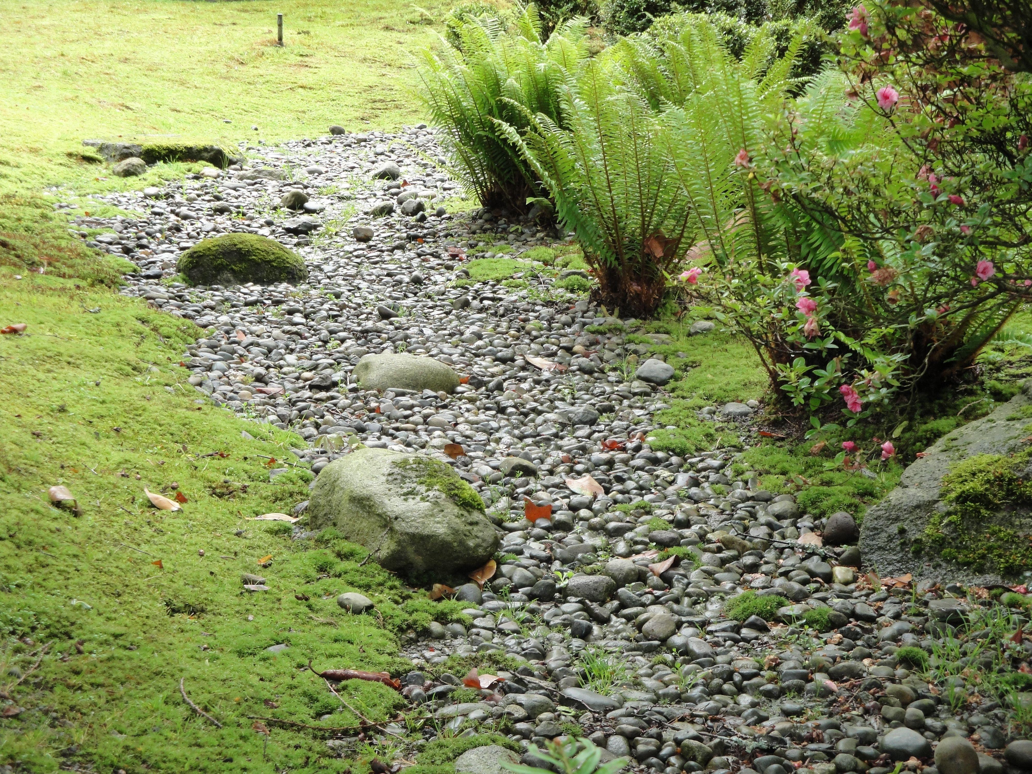 garden design dry river bed design inspiration 210010 decorating ideas - Garden Design Dry River Bed