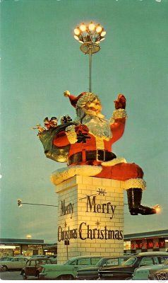 Iconic Santa at Garden State Plaza