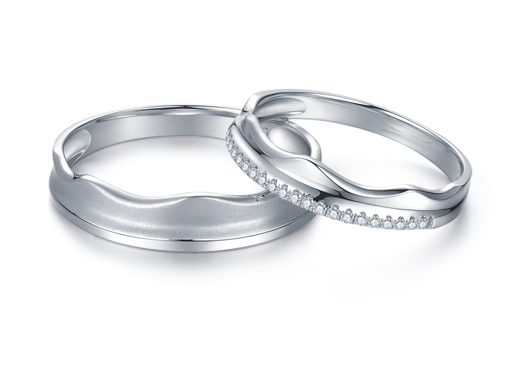 crown shaped couple wedding ring with matte brushed metal