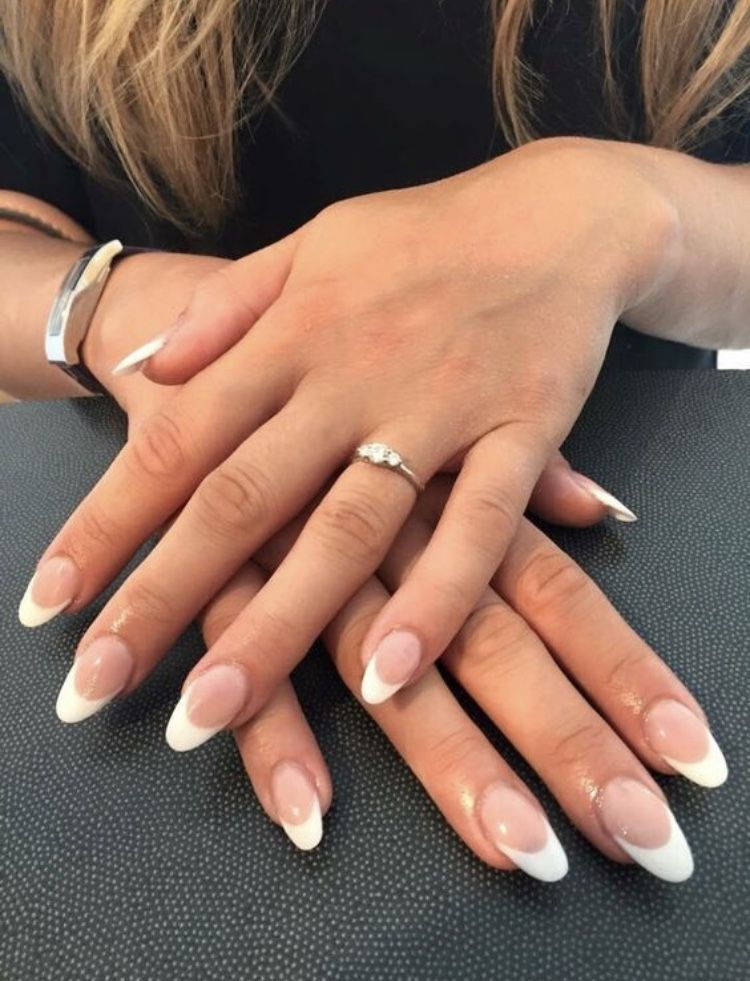 Pin By Leanna Mazzeffe On Nails French Acrylic Nails French Tip Acrylic Nails Acrylic French Manicure