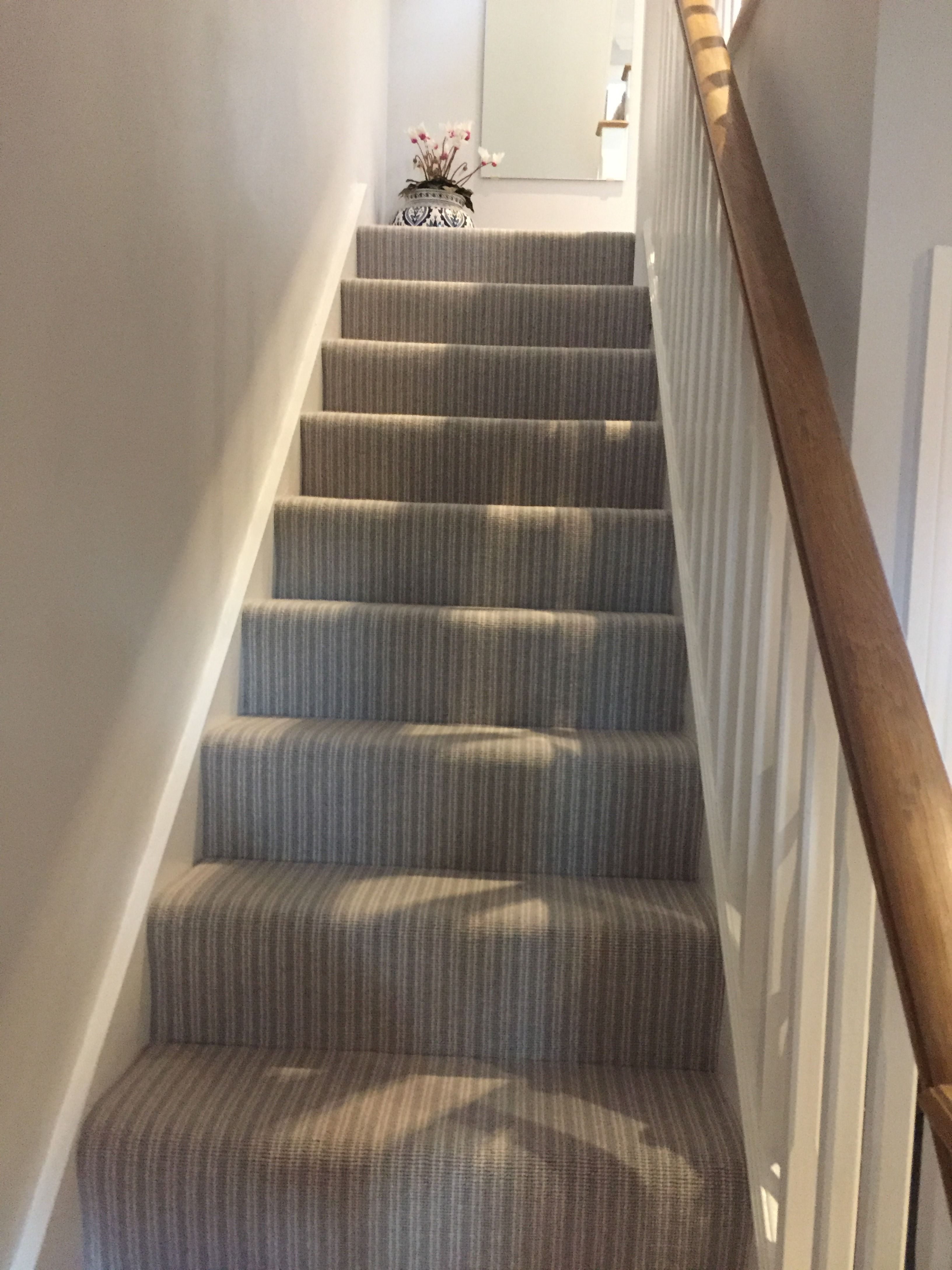 Best Installation By Lino Len Striped Carpet Draws The Eye To 400 x 300