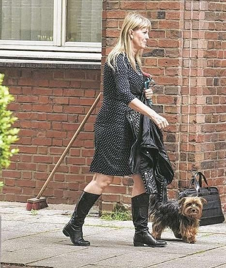 Ellen And The Dog In Hamburg 25th May 2016 Favorite People