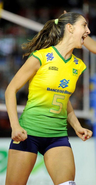 Carol Gattaz Brazilian Volleyball Player Creio Que Amar Um Pais De Primeiro Mundo Onde Tudo F Female Volleyball Players Women Volleyball Volleyball Players