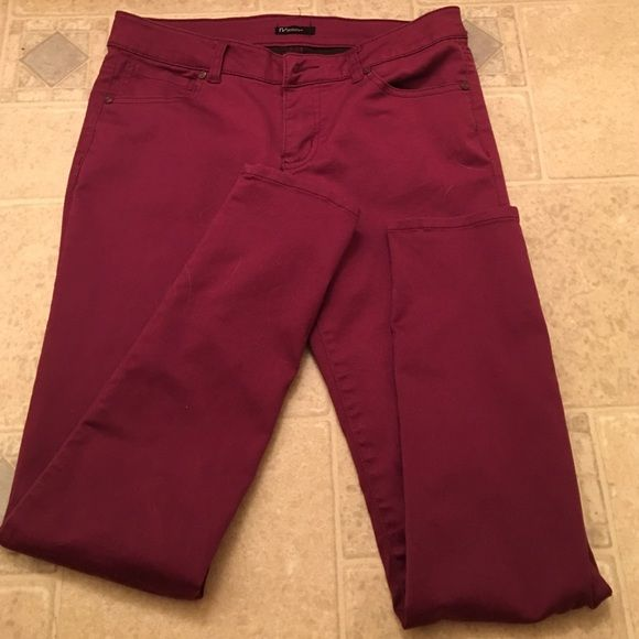 Reve Plum Colored Skinny Jeggings Size 9 Reve Plum Colored Jeggings fit like a Size 7 Reve  Jeans Skinny