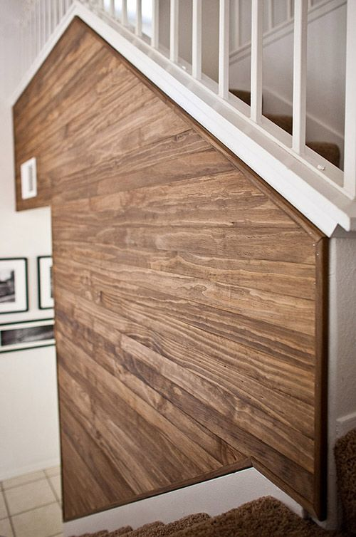 beautiful wood grain on this diy wood wall
