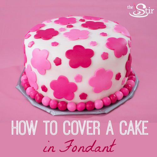 Cake Decorating With Fondant For Beginners : 8 Simple Steps for Covering a Cake in Fondant Discover ...