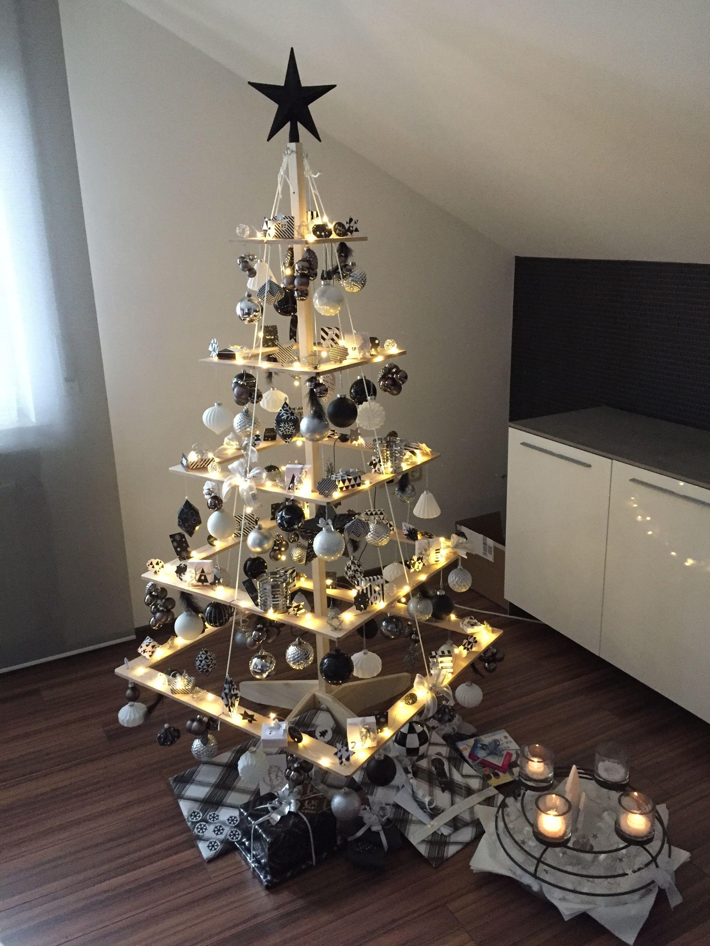 Design for christmas winter holidays family house for Decoracion navidena oficina