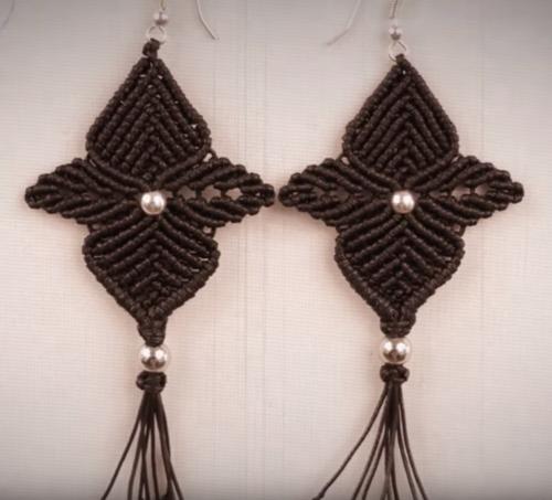 Black-Orchid-Macrame-Earrings_Large500_ID-1668521.png (500×453)