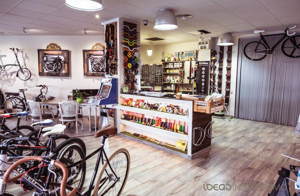 Interiorismo Comercial Vintage En La Tienda De Bicicletas Br Bikes