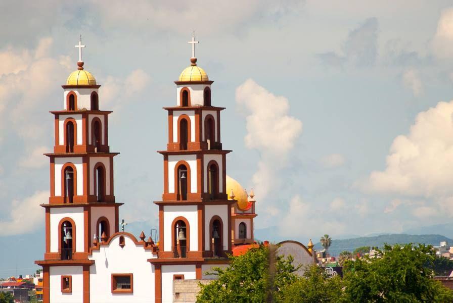 Iglesia Del Sagrado Corazon De Jesus En Cuernavaca Shades Of Red Around The Worlds Dark Red