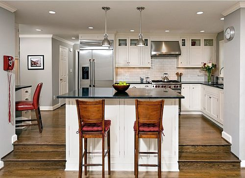 Step Down From Kitchen To Family Room With Breakfast Bar Flickr Kitchen Remodel Layout Kitchen Plans Kitchen Room