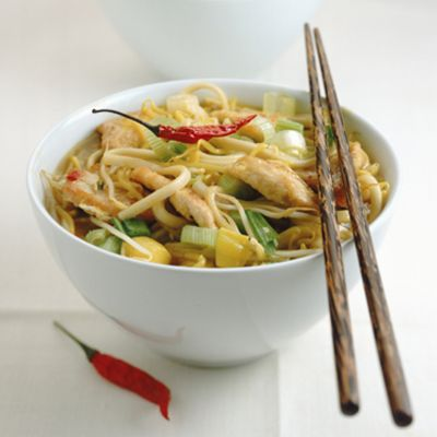 Sauté Loose Leaves  Toss chopped veggies such as bell peppers or broccoli and whole-wheat noodles in a spicy combo of minced garlic, chili flakes, and a pinch of already-brewed green tea leaves. Cook in a wok over medium heat, ensuring the fragrant tea is fully absorbed in this heart-healthy dish..