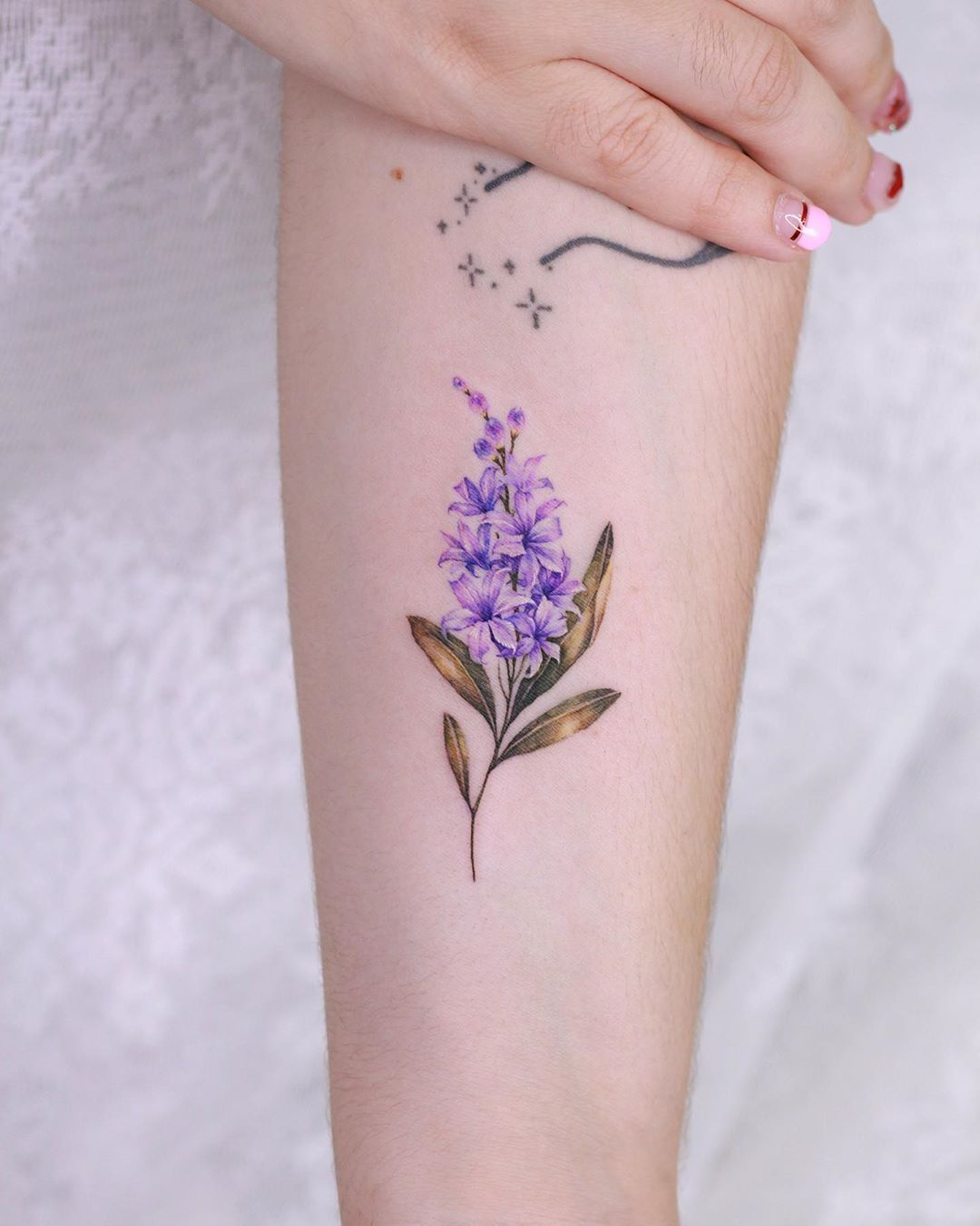 16 Delicate Flower Tattoos Just In Time For Your New Spring Ink Delicate Flower Tattoo Cute Ankle Tattoos Tattoos