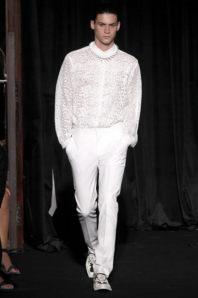 Givenchy Spring 2011 Menswear Fashion Show - Miles Garber