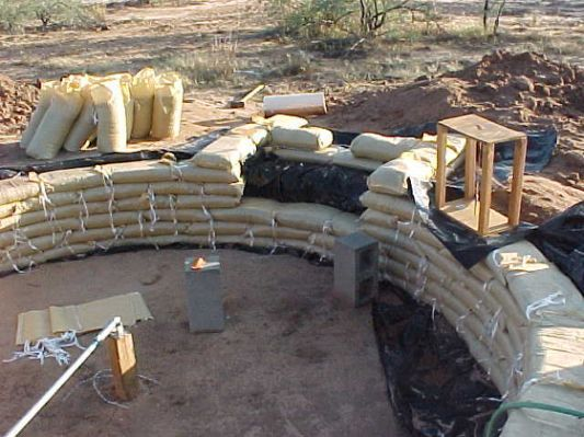 Start Of Sack Concrete Wall My Retaining Wall Patio Concrete Retaining Walls Retaining Wall