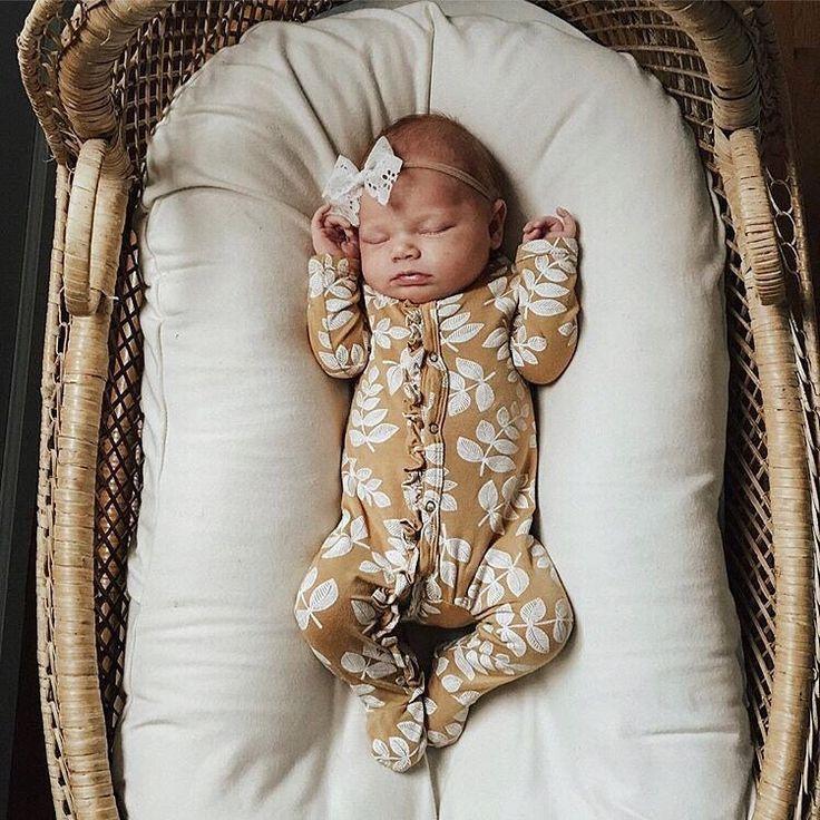 1473779082 moses crib Baby Girl Gifts