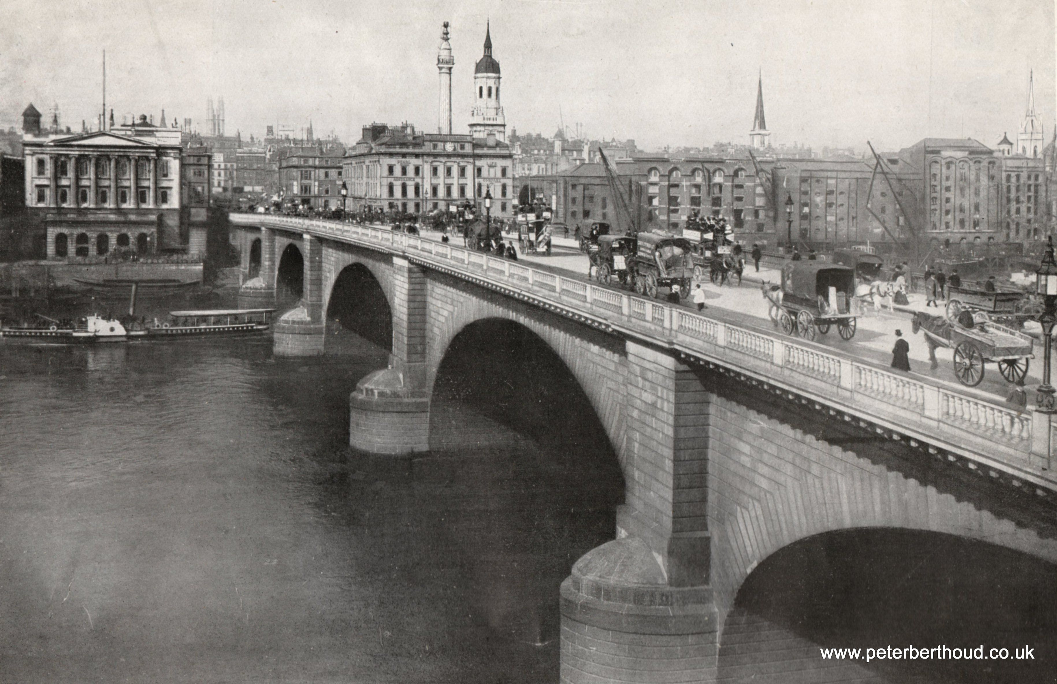 London Bridge in England, c 1908. It was located on the River Thames until  it was dismantled, sold, and reassembled in Ari…   London city, London  bridge, Old london