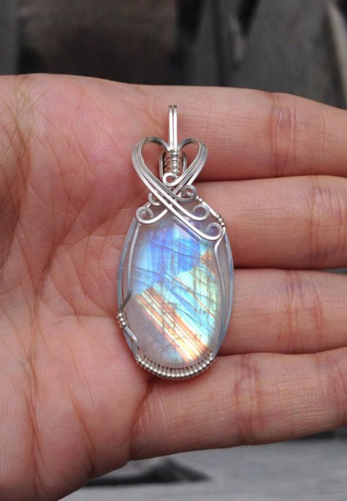 bijoux pierre de lune bleue en argent
