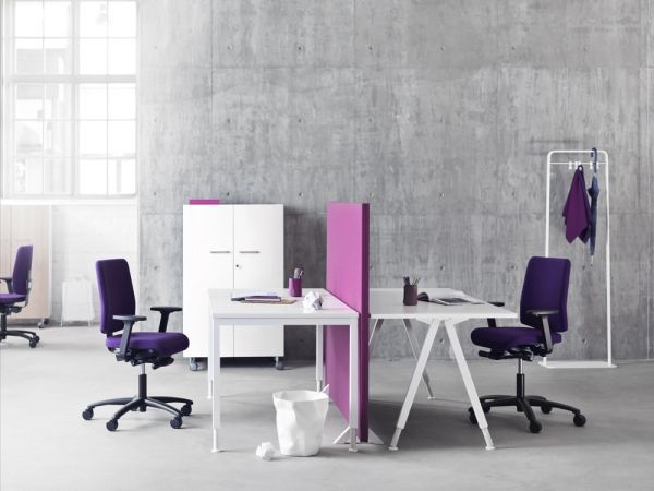 Hint of (brand) colour in office furniture   Martela