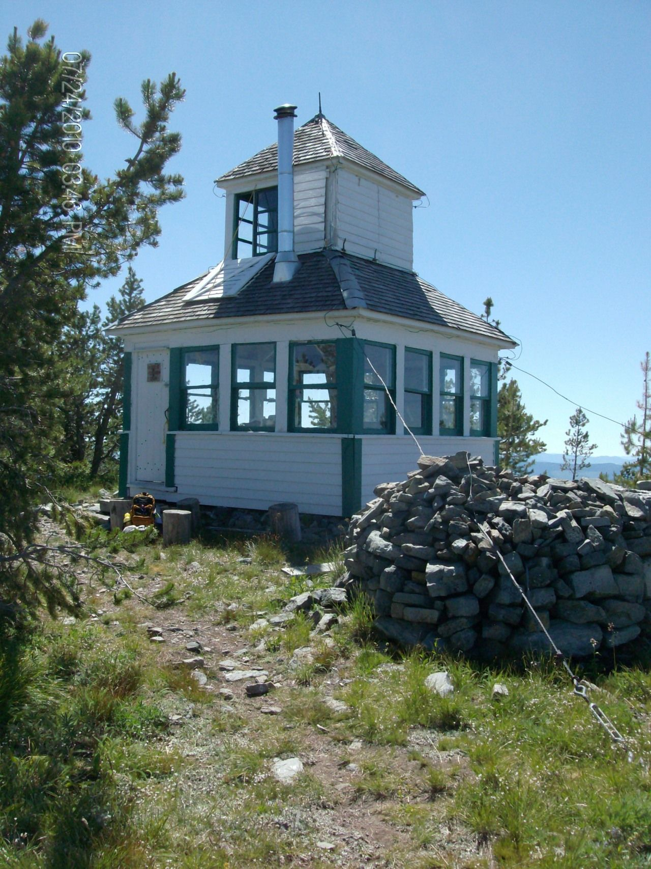 Mcguire fire lookout near eureka montana tiny houses for Cabine eureka ca