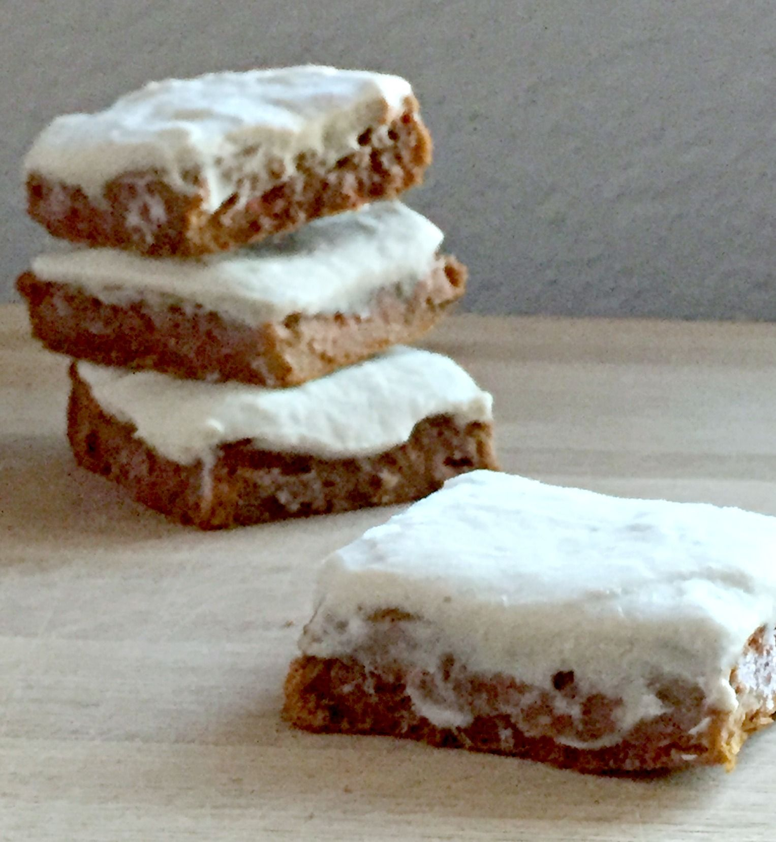 Pumpkin pie or carrot cake? These protein bars offer both! Get out your protein powder & make these better for you treats with Greek yogurt frosting! #protein #lowcarb #sugarfree #glutenfree